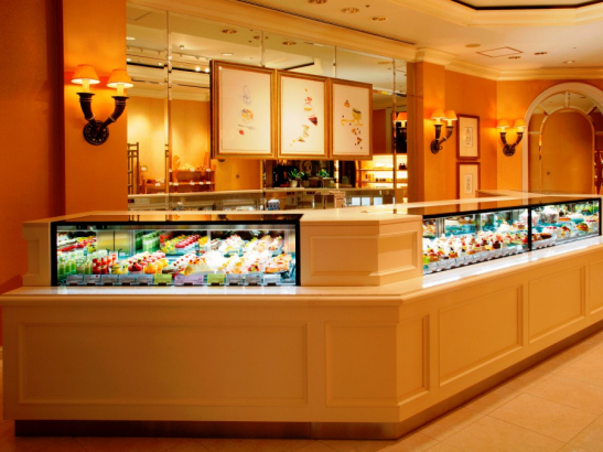 ケーキショップ「コフレ」 / 横浜ロイヤルパークホテル