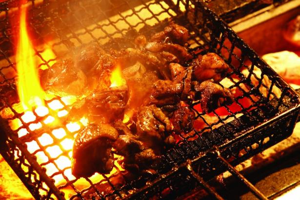 炭火焼調理風景