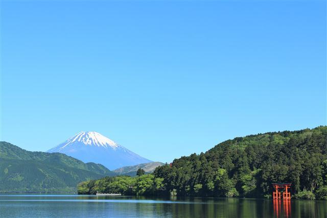 江戸時代、関所を設け防衛の要所だった箱根。東海道に沿って湧く温泉は「箱根七湯」と呼ばれるようになりま…