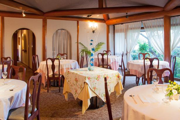 丘の上の一軒家レストラン 澤亭