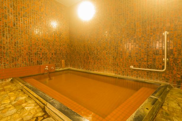 内風呂ですが、源泉掛流しの自慢の湯!
