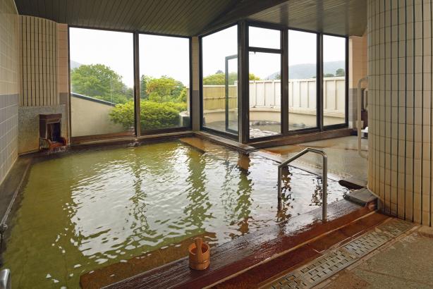 大涌谷より引湯している温泉が好評です。