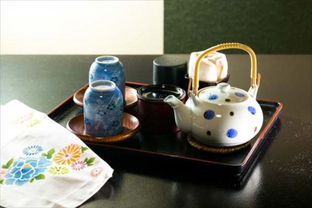お部屋には日本茶をご用意♪