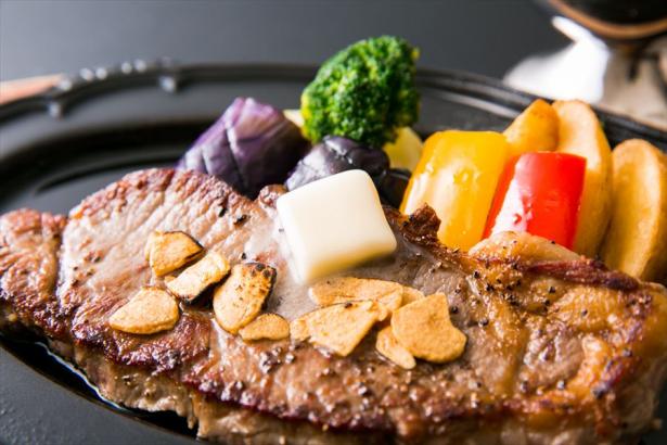 特別料理。若い方に人気のステーキ。