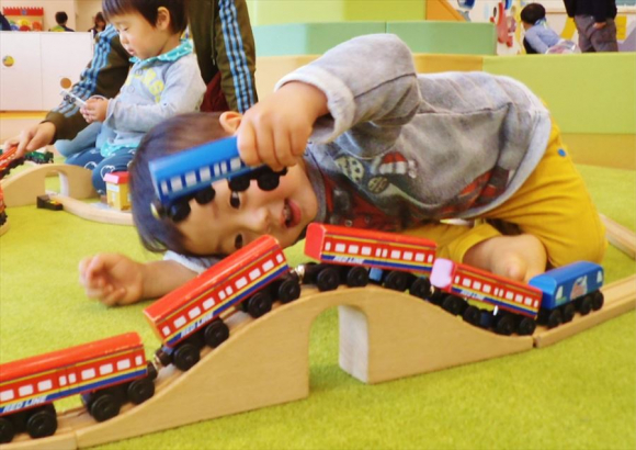リアルな電車あそびができるジオラマ