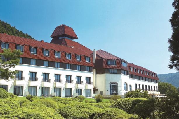 フランス料理「ヴェル・ボワ」/小田急 山のホテル